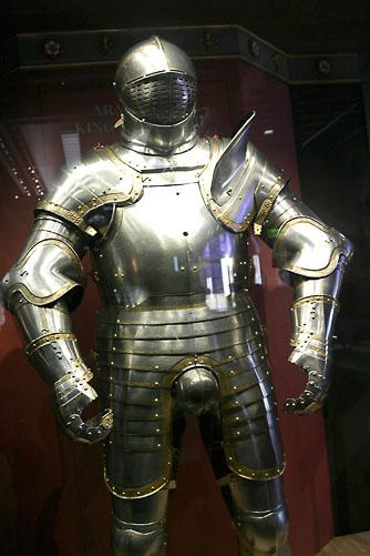 Henry-VIII's-Armor.jpg